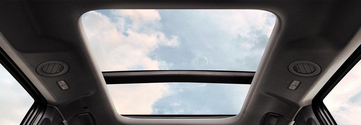 Cửa sổ trời toàn cảnh Panorama của Ford Everest mới